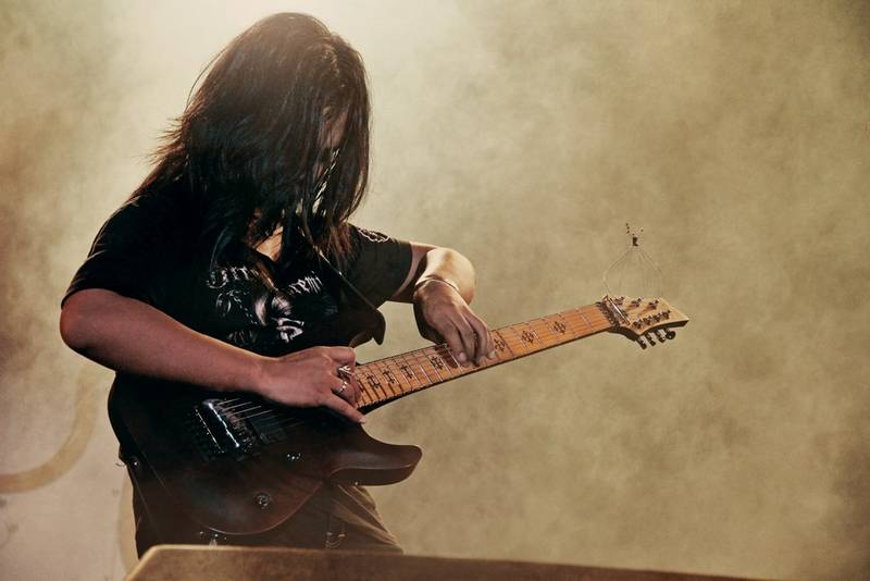 How to Incorporate Your Favorite Guitarists' Playing Styles into Your Own